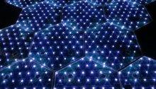 paneles solares iluminados